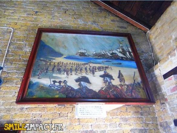 Fort Charlotte - Au cœur du fort, les œuvres de Lindsay Prescott, qui fut jadis officier de la marine anglaise, permettent aux visiteurs d'aujourd'hui d'apprécier plusieurs peintures évocatrices de l'époque, avec en toile de fond l'histoire des Noirs Caraïbes.